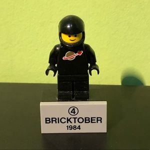 LEGO Mini figure 1984 Bricktober Astronaut Magnet